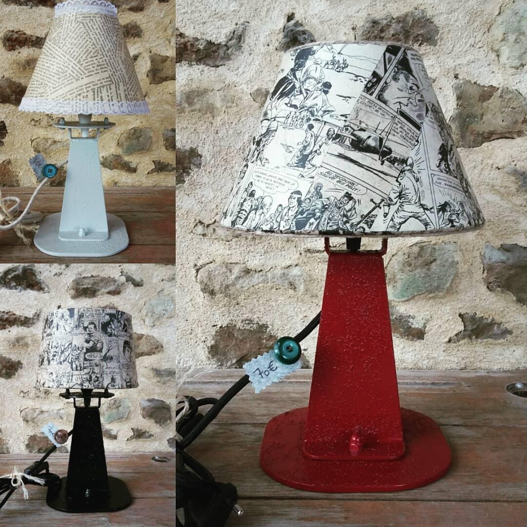Création lampe upcycling pied métal abat-jour feuilles de livres