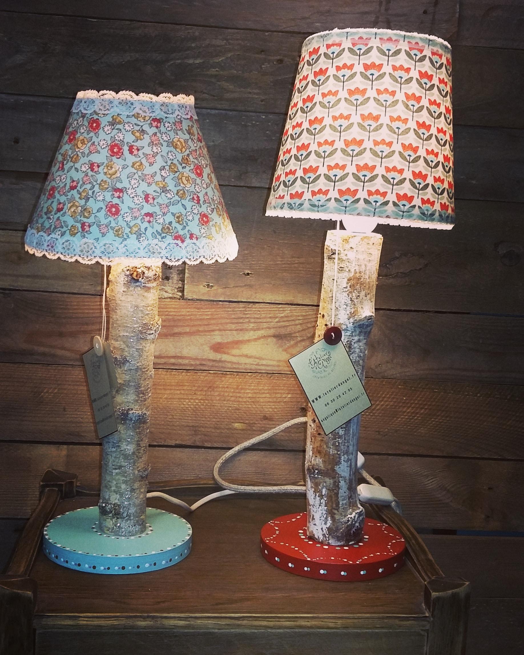 Création lampe upcycling pied bois abat-jour imprimés fleuris