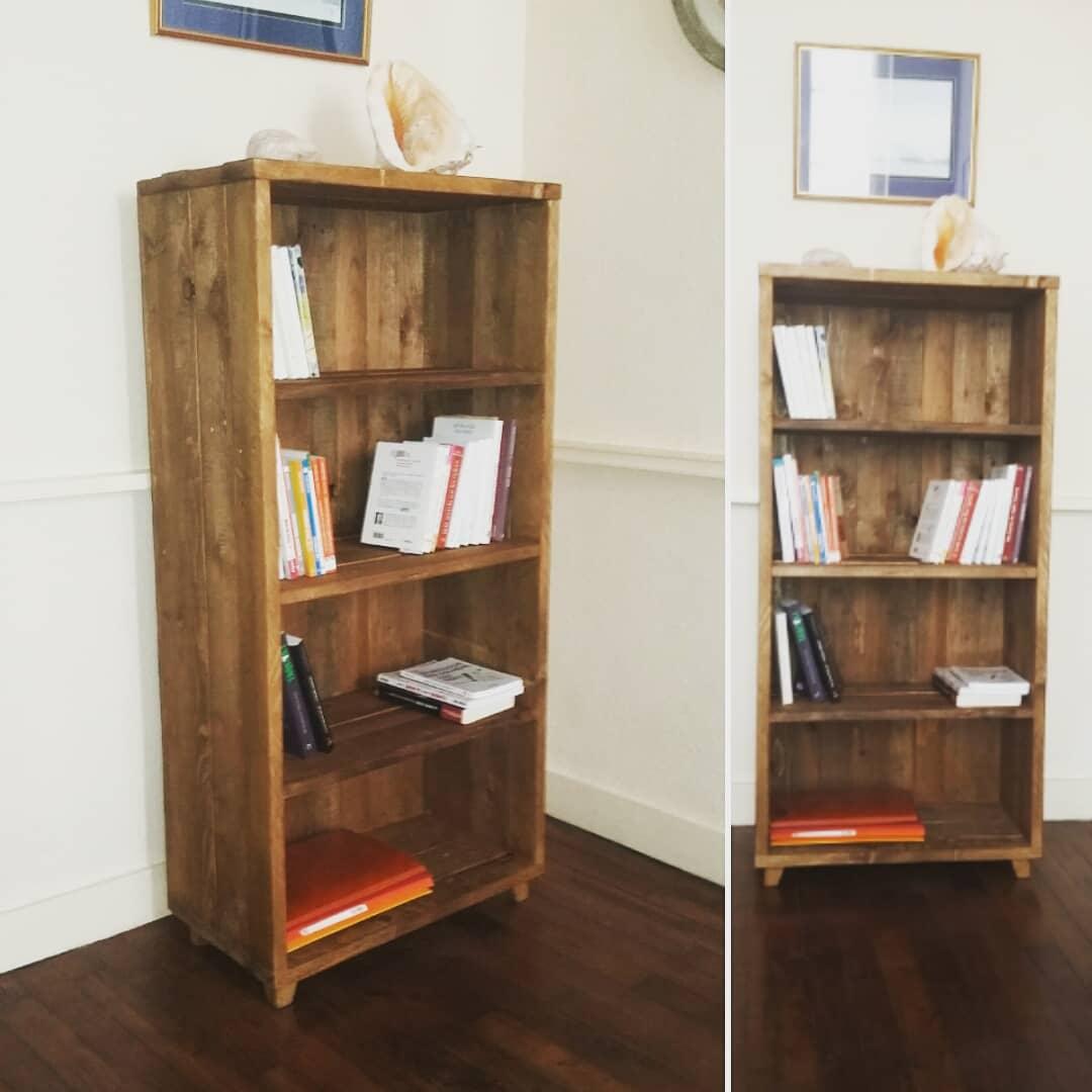 Création meuble étagères bois palettes teinté ciré