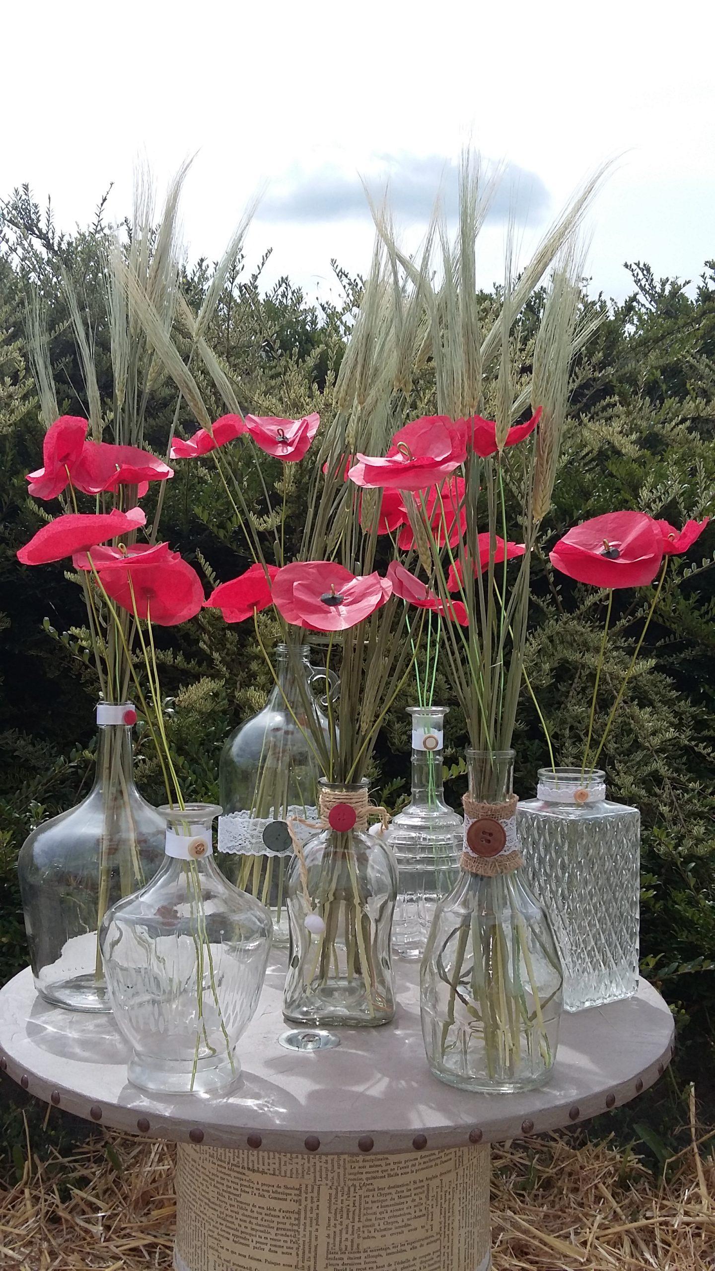 Vases dépareillés décoration pour mariage